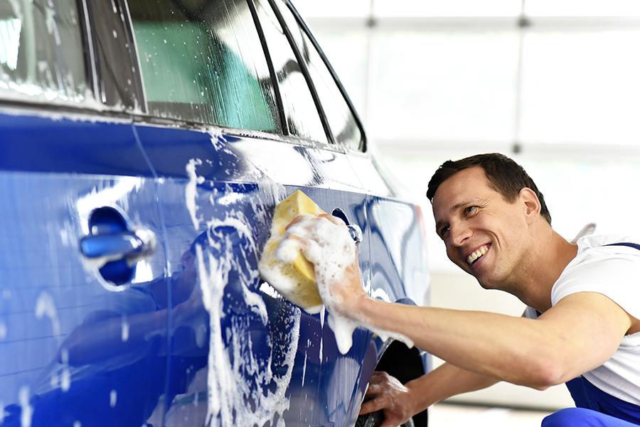 Wir bieten Ihnen pflegende Reinigungspakete mit Versiegelung für Ihr Fahrzeug an. Sie haben die Wahl des Umfanges Ihrer Autoaufbereitung und können ihn so perfekt an Ihre Vorstellungen und Wünsche anpassen.